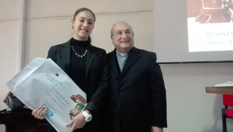 Al Liceo Manzoni premiati i vincitori del concorso La Casa Comune